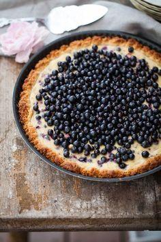 blåbärspaj Pie Dessert, Dessert Recipes, Desserts, A Food, Food And Drink, Cinnamon Cake, Berry Cake, Piece Of Cakes, Everyday Food