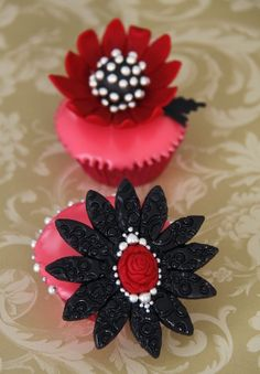 Jewel Cupcakes  Apple and blackberries cupcakes topped with fondant icing and decorated with sugar jewelry