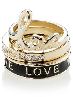 LOVE these stacking rings...just wish it were a white metal.  No bueno yellow