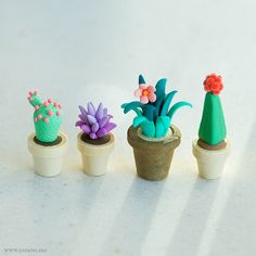 Today I have a how to make/craft/sculpt/diy this cute/kawaii little cactus out of polymer clay and resin. It has a little pot/plantar and flower details with a cute little face. You can customize your own resin cactus plants and never have t Polymer Clay Kunst, Cute Polymer Clay, Cute Clay, Polymer Clay Miniatures, Fimo Clay, Polymer Clay Projects, Polymer Clay Charms, Polymer Clay Creations, Clay Crafts