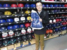 【ベースボール館】2015.02.27 台湾出身のお客さまです。現在は、日本に留学中だそうです。明日の試合楽しんで来てくださいね!