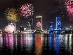 Happy Fourth of July! credit: Rob Futrell-Celebrate Independence Day this Fourth of July on the river or by the sea in Jacksonville! Florida City, Jacksonville Florida, New Year's Eve Around The World, Around The Worlds, Tampa Skyline, Happy Fourth Of July, July 4th, Happy Birthday America, 4th Of July Fireworks
