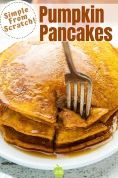 Easy Pumpkin Pancakes This Healthy Pumpkin Pancakes recipe is a delicious breakfast any time of the year. Using canned pumpkin, almond extract, and pumpkin pie seasoning, this pumpkin spice pancake recipe has big flavor with few ingredients. Pumpkin Pancakes Easy, Pumpkin Breakfast, Pumpkin Dessert, Pumkin Recipes, Easy Canned Pumpkin Recipes, Healthy Pumpkin Pies, Pancake Recipes, Healthy Pancake Recipe, Healthy Recipes