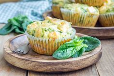 Muffins are perfect for breakfast, snacks, and dessert. These vegetable muffins are packed with vitamins and minerals. They're super yummy and easy to make. Breakfast And Brunch, Breakfast Dishes, Breakfast Recipes, Muffin Recipes, Brunch Recipes, Spinach And Feta Muffins, Vegetable Muffins, Veggie Quiche, Great Recipes