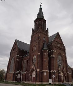 Abandoned Church, St Louis(A bit better in Lightbox) by ml_thorsteinson, via Flickr