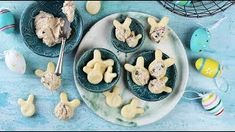 Nyuszis keksz tojásos-tonhalas krémmel Brunch, Menu, Pudding, Cookies, Desserts, Food, Menu Board Design, Crack Crackers, Tailgate Desserts