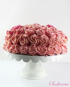 rosa tårta, lätt att spritsa rosor