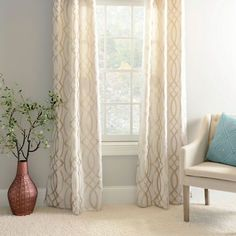 Fashionable dining room curtains and blinds that will impress you