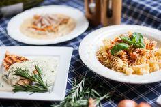 Tři bleskové tipy na smetanové omáčky, které udělají z masa i těstovin lahodné večeře!