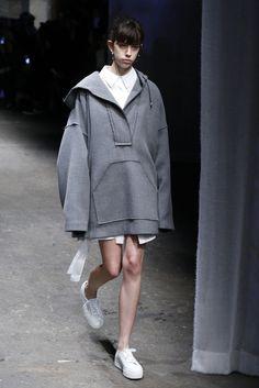 「ミリー(MILLY)」が2017-18年秋冬コレクションをニューヨークで発表した。