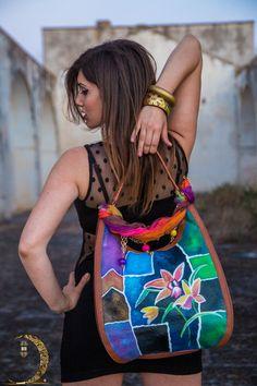 Le Mille Lune | Hanùl Style Borse in pelle dipinte, accessori e bijoux dipinti a manoHANUL di Giorgino Daniela