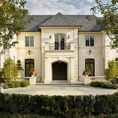 French chateau house plans french chateau home plans architecture french country house plans one story french French Country Exterior, French Country House Plans, French Country Style, French Chateau Homes, French Style Homes, French Mansion, Style At Home, Architecture Design Concept, Architecture Life