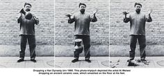 Dropping a Han Dynasty Urn This photo-triptych depicted the artist Ai Weiwei dropping an ancient ceramic vase, which smashed on the floor at his feet! Ai Weiwei, Sorry My Love, Beijing Olympics, Wei Wei, Land Art, New Media, Chinese Art, Destruction, Contemporary Artists