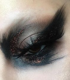 Products ▪ shade and light palette,glimmer palette and skully lip liner coffee glitter sleepwalker Electra lashes * yes I'm obsessed with these lashes* Makeup Inspo, Makeup Art, Lip Makeup, Makeup Inspiration, Beauty Makeup, Gorgeous Makeup, Pretty Makeup, Makeup Looks, Kat Von D