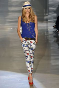 108be1eb12cc79 Gucci SS 2009 Blue Top + Floral Pants media gallery on Coolspotters. See  photos