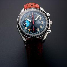 OMEGA SPEEDMASTER SPORT AUTOMATIC // 35205 Omega ha sido un líder en el juego de relojes por más de 150 años. Este proveedor suizo de relojes de lujo se ha destacado en cada oportunidad, convirtiéndose en el primer reloj en la Luna, el dispositivo oficial de cronometraje de los Juegos Olímpicos, y el reloj preferido de grandes hombres tanto reales como ficticios. Únete a artistas como Prince William, Buzz Aldrin y James Bond en un hermoso reloj Omega.