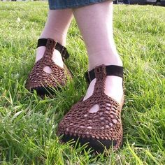 Mary Jane ganchillo zapatos  marrón  por encargo by lepiedleger   Etsy