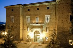 Castello Chiola: ancora una volta Miglior Hotel d'Abruzzo - Attualità - Primo Piano