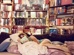 #kitap #kitaplık #kitapaşkı #kitapkokusu #oda #bookstagram #book #books #kitapçı #bookstore #dream #kitapokumak #okumak #read #reading
