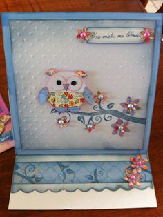 Owl easel card using kaszazz products Baby Cards, Kids Cards, Paper Crafts, Diy Crafts, Easel Cards, Card Making Techniques, Creative Cards, Scrapbooking Ideas, I Card