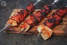 Schaschlikspieße vom Staufericoschwein - Die Jungs kochen und backen Tandoori Chicken, Summer Vibes, Bbq, Turkey, Meals, Ethnic Recipes, Crickets, Meal, Meat