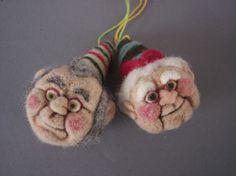 Christmas Elf Ornament OOAK Needle Felted von aronlowe auf Etsy
