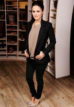 Black jeans, black blazer & Beige top & heels