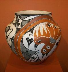 Adrian Trujillo Acoma Pueblo Pot Acoma H x W Native American Pottery, Native American Art, Pueblo Pottery, Mexica, Pottery Vase, Plaster, Ceramic Art, Navajo, Sculpture Art