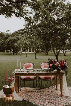 Boho sweetheart table