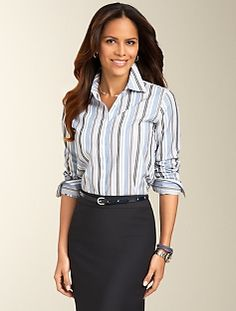 Low maintenance Wrinkle-Resistant Striped Shirt works well with skirt or slacks. Classy Outfits, Outfits For Teens, Stylish Outfits, Fall Outfits, Low Waist Jeans, Loose Fit Jeans, Trendy Plus Size Clothing, Plus Size Outfits, Trendy Jeans