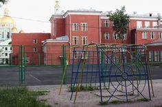 Уборщица школы в Москве умерла после пореза осколком https://rusevik.ru/news/356950