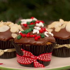 Awesome Christmas sweets recipes are offered on our web pages. Check it out and you wont be sorry you did. Christmas Sweets Recipes, Christmas Sugar Cookies, Christmas Cupcakes, Christmas Desserts, Christmas Baking, Mini Cakes, Cupcake Cakes, Ice Cream Cookie Cake, Cake Recipes