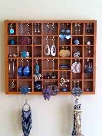 Bloggerhauser: DIY Jewelry Wall