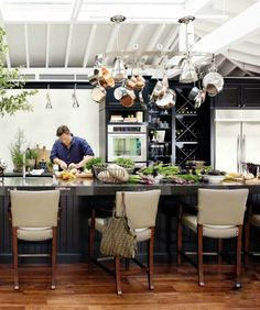 DECOR: HOUSE BEAUTIFUL KITCHEN OF THE YEAR (does it come with Tyler Florence?)