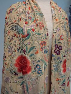 ANTIQUE CHINESE CANTON SILK PIANO SHAWL LAVISH EMBROIDERY WITH BIRDS, FLOWER