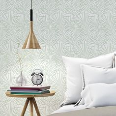 In cushions, vases, lamps . even in sofas, the water green arrives to fill your house with light, softness and a touch of a sea breeze. Green Wallpaper, Trendy Wallpaper, Home Wallpaper, Bedroom Wall, Bedroom Decor, Wall Decor, White Sheets, Dream Rooms, My Room