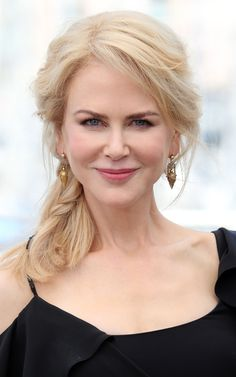Nicole Kidman at the looks, the hair and her views on Botox Beautiful Celebrities, Beautiful Actresses, Beautiful Women, Red Hair, Blonde Hair, Le Jolie, Jessica Chastain, Jennifer Aniston, Trendy Hairstyles