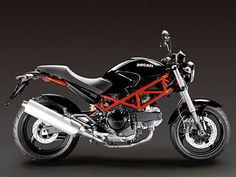 Ducati Monster 695. A thing of beauty.