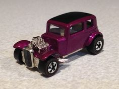 """Hot Wheels """"Classic Ford Vicky"""" Antique Toys, Vintage Toys, Nostalgic Candy, Grave Decorations, Bike Poster, Vintage Hot Wheels, Matchbox Cars, Remote Control Cars, Hot Wheels Cars"""