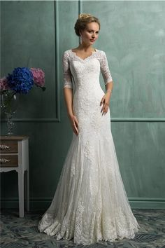 Modest Mermaid Scalloped Neck Short Sleeve Vintage Lace Wedding Dress