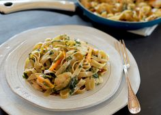Learn how to make delicious Tagliatelle with Prosecco Chicken, Rainbow Chard & Heirloom Carrots straight from the experts at Jovial Foods. Gluten Free Noodles, Gluten Free Pasta, Gluten Free Dinner, Healthy Dishes, Healthy Eating, Healthy Recipes, Summer Pasta Dishes, Rainbow Chard, Best Gluten Free Recipes