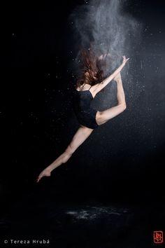 Dancer: Yui Kyotani, Kitrijump.