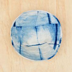 the red thread :: create, inspire, share | LOVING :: Indigo shibori bowls from Bind | Fold | http://www.theredthreadblog.com