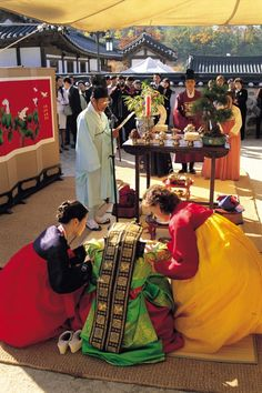 Traditioanl Wedding  at  Namsangol Hanok Village in Seoul, Korea www.visitkorea.or.kr  KOREA TOURISM ORGANIZATION