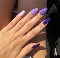 The advantage of the gel is that it allows you to enjoy your French manicure for a long time. There are four different ways to make a French manicure on gel nails. Nail Swag, Aycrlic Nails, Manicure, Coffin Nails, Bright Summer Nails, Nails Summer Colors, Cute Nail Colors, Summer Gel Nails, Cute Summer Nails