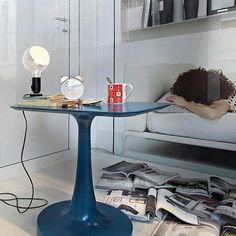 Lampadina: Scopri la lampada da tavolo Flos modello Lampadina