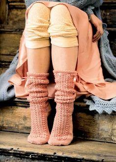 At home & cosy...tights and pink socks