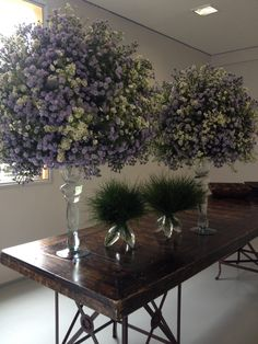 breathtaking florals getting ready to go to their destination.