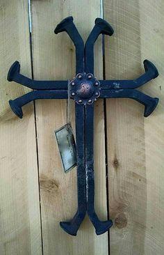 Western Railroad Spike Cross di RanchStudioArtworks su Etsy
