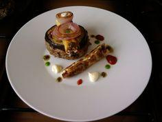 JHS * * * /  Hamburger de veau aux olives mascarpone cannoli et pommes de terre avec petit arlequin de
